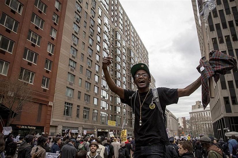 فریاد مرگ بر آمریکا در خیابان های فیلادلفیا