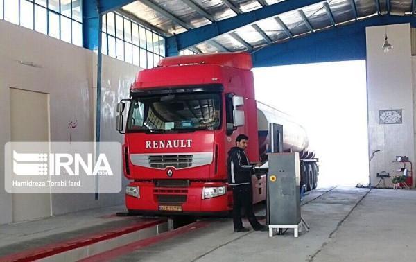خبرنگاران هر هفته هزار خودرو سنگین در آذربایجان غربی معاینه فنی می گردد
